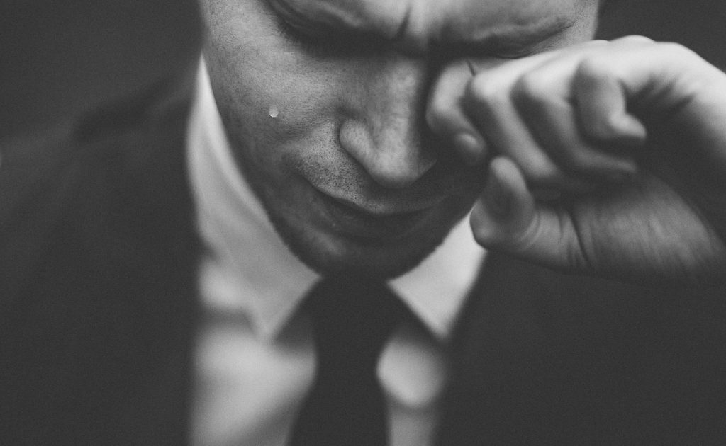 How HR Should Manage Negative Emotions at Workplace